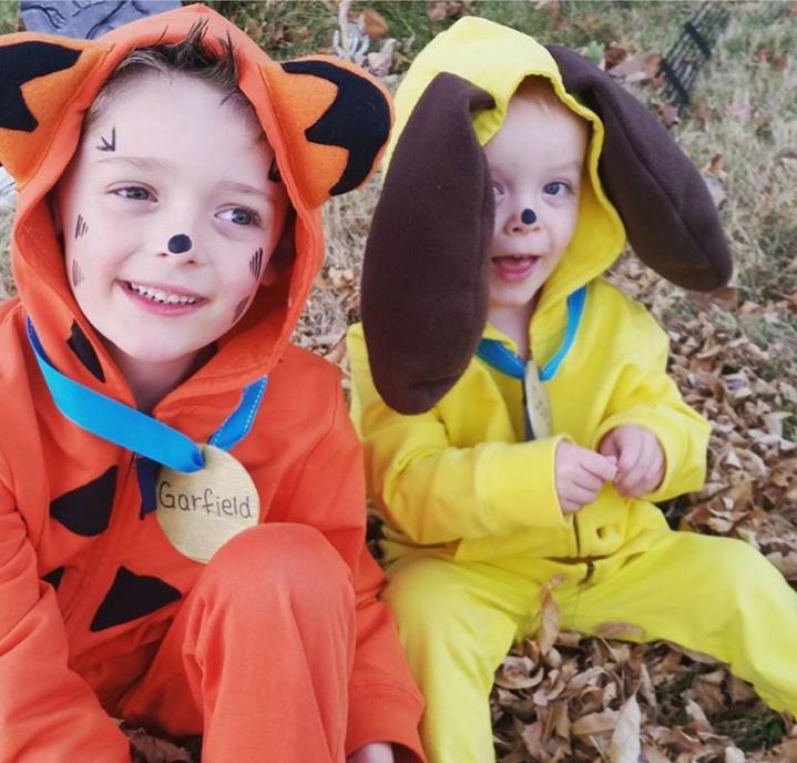 No-Sew DIY garfield and odie animals Costume | Primary.com  sc 1 st  Primary & No-Sew DIY Garfield and odie Kids Costume | Primary.com